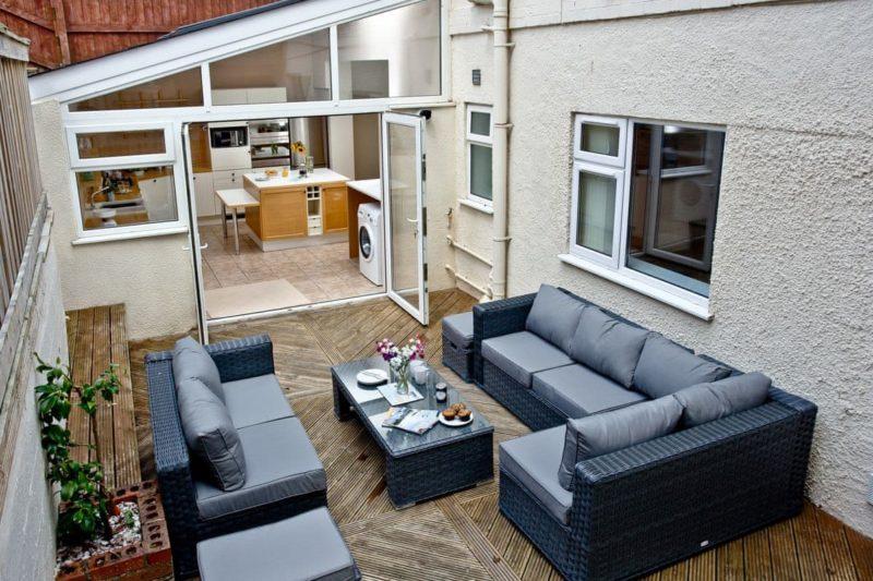 Sitting-out-area | South Sands, Paignton