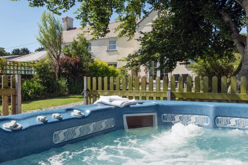 Relaxing hot tub for up to 4 guests | Beech House, Holsworthy