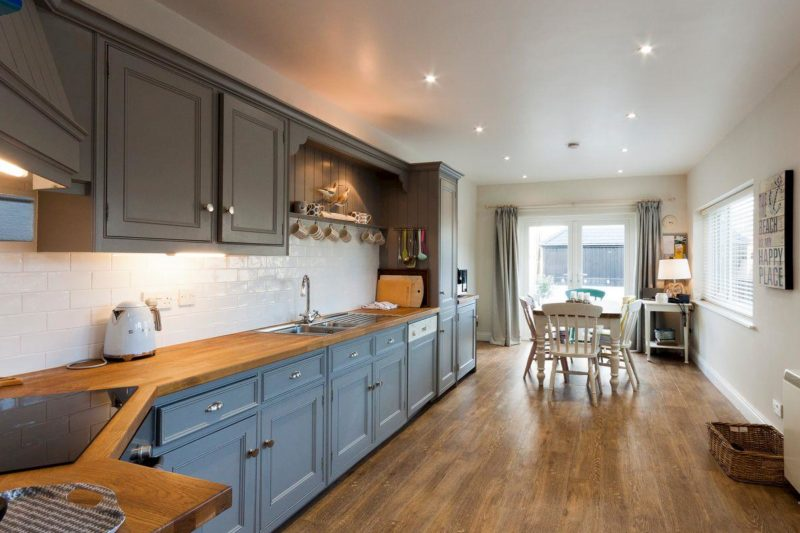 Spacious kitchen and dining area | Aloft, Salcombe