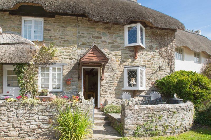 Charming, period, terraced, thatched cottage | Cobbles, Salcombe
