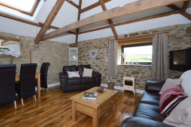 Living room/dining room | Buzzards View, Kingswear