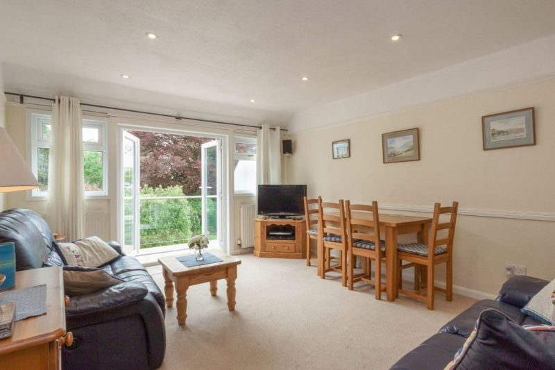 Spacious living/ dining room | St Elmo's LodgeFlat 1, Salcombe