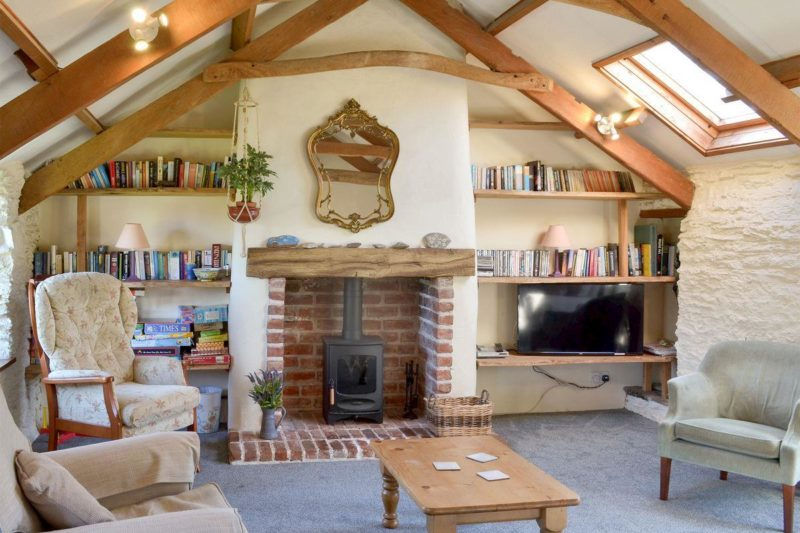 Open-trussed living room | The Shippen, East Prawle