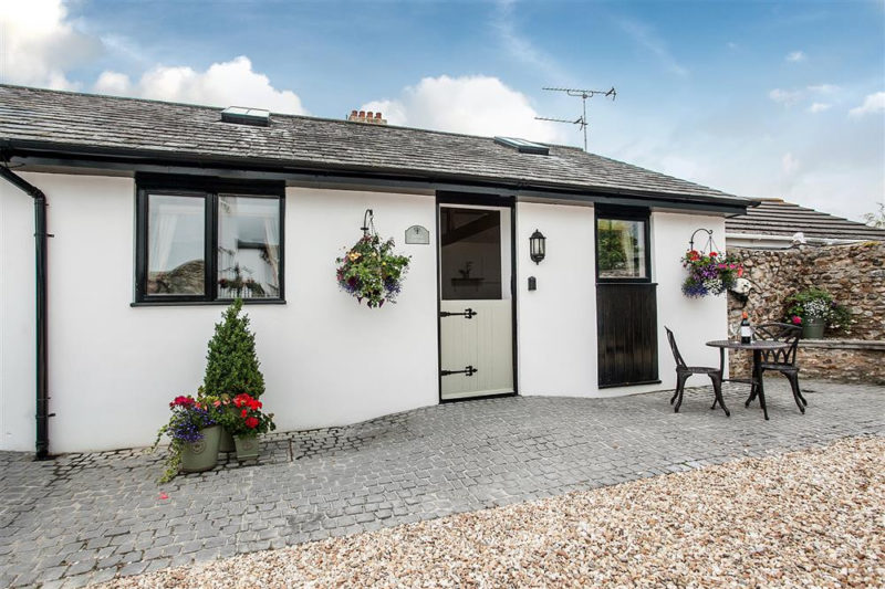 Hollie Cottage, located in the pretty village of Colyford