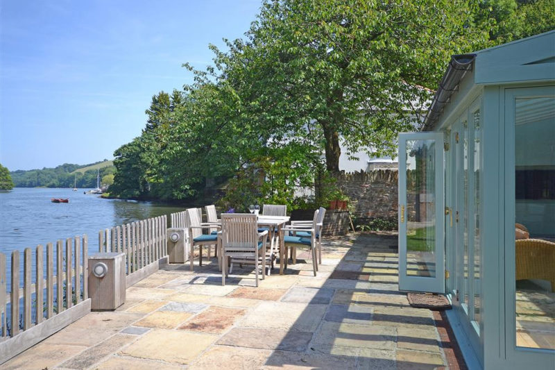 Welcome to Perchwood Shippon! A fabulous waterside property in Tuckenhay!