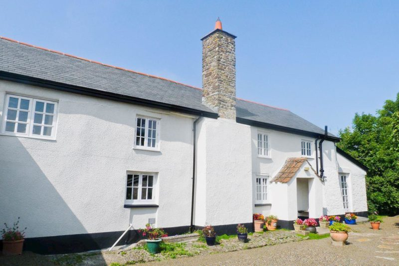 Beautiful detached 17th century Devon longhouse | Lynches, Parkham, near Bideford