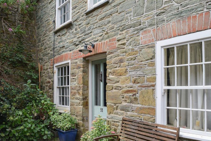 Attractive stone-built cottage set back from the main road | Island Street 33, Salcombe
