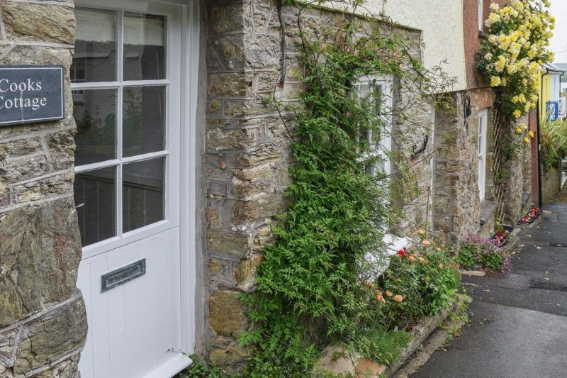 Charming holiday home tucked away in the heart of Slacombe | Cooks Cottage, Salcombe