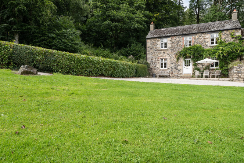 Welcome to Grooms Cottage on the Holne Chase Estate.