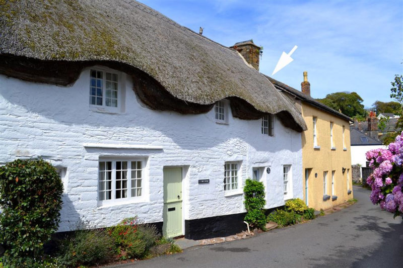 2 Vale Cottages, shown with an arrow.